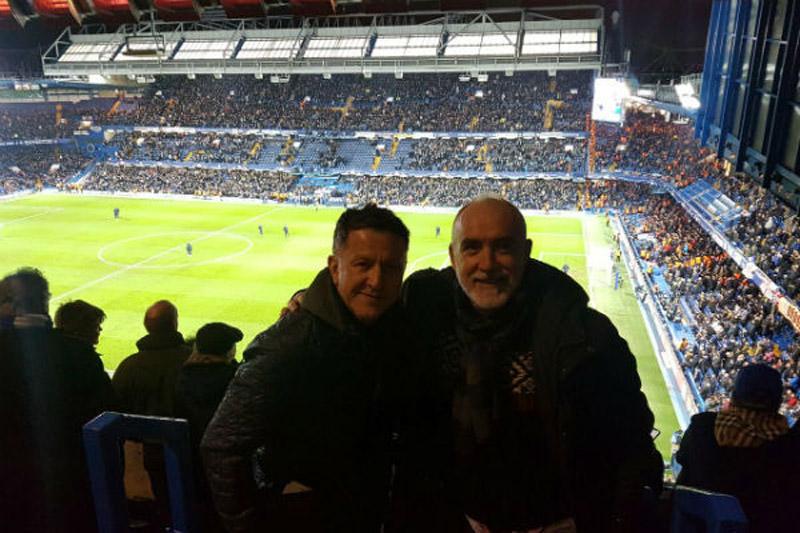 Juan Carlos Osorio y Sir Alex Ferguson se encontraron en Inglaterra