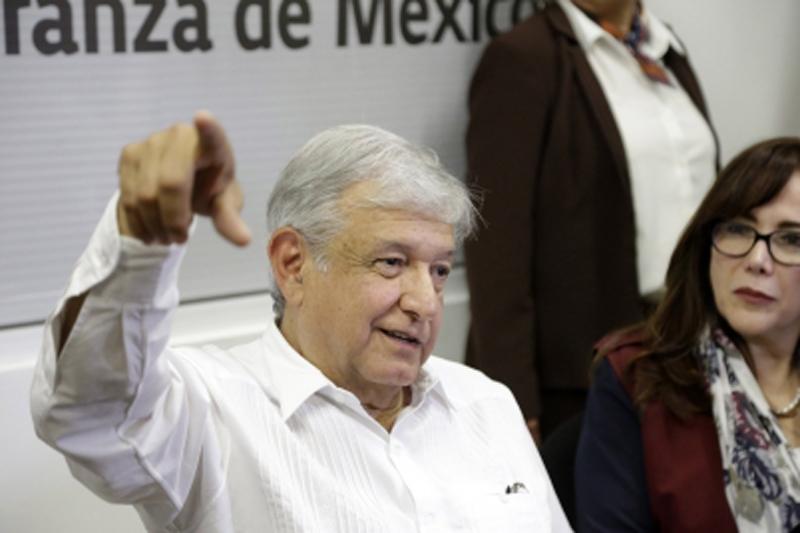 Proponen que AMLO convierta 'Los Pinos' en un espacio cultural