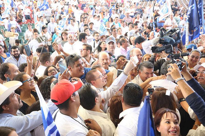 Ricardo Anaya lleva su campaña política a Querétaro