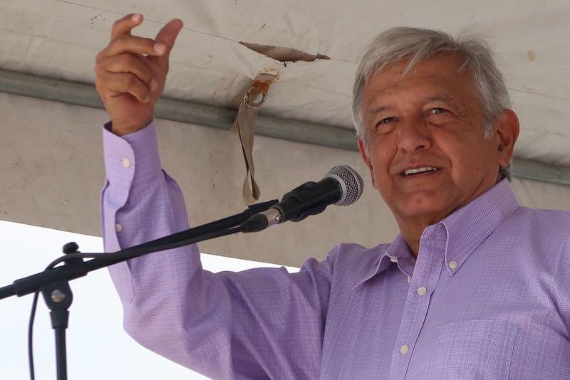 Morena presenta denuncia en la PGR contra Emilio Lozoya