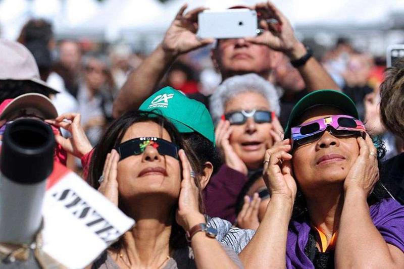 Sitios web que transmitirán en vivo el eclipse total de sol
