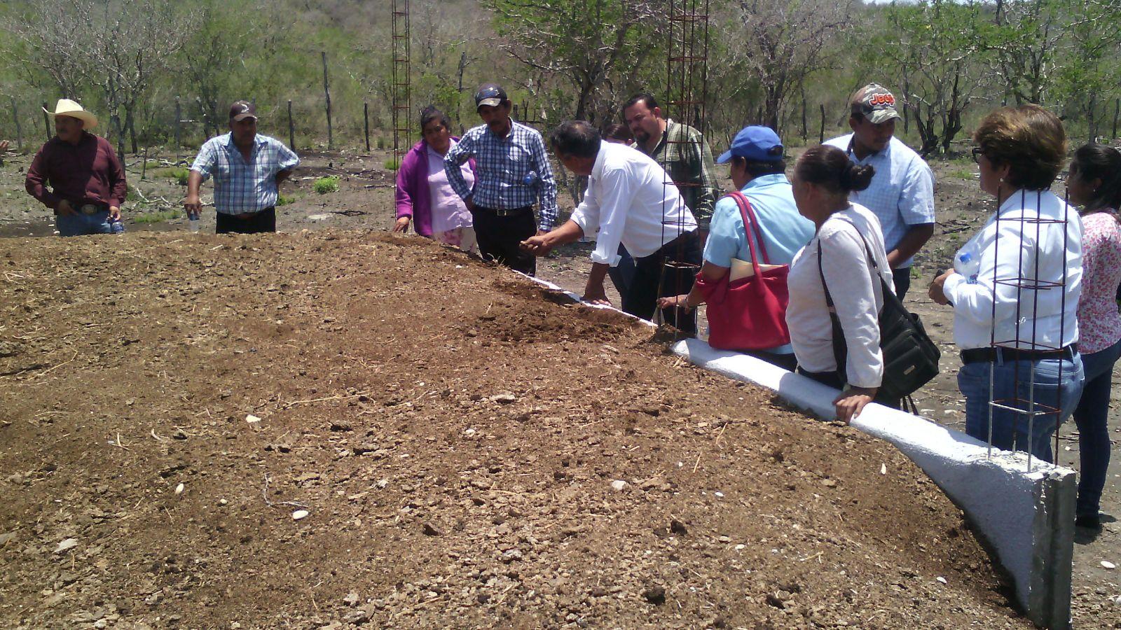 """SRU-058-2017.-Capacitan a citricultores en Soto la Marina con el curso """"Manejo Integral de Lombricultura"""".(1).jpg"""
