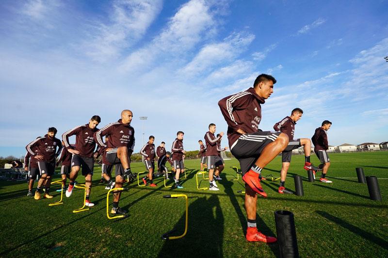 'Chicharito' Hernández porta la playera de la selección mexicana con orgullo