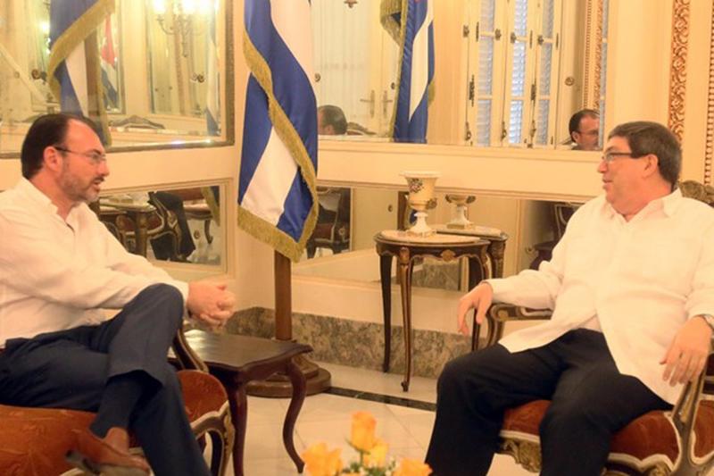 México suprimirá visas a funcionarios de Cuba